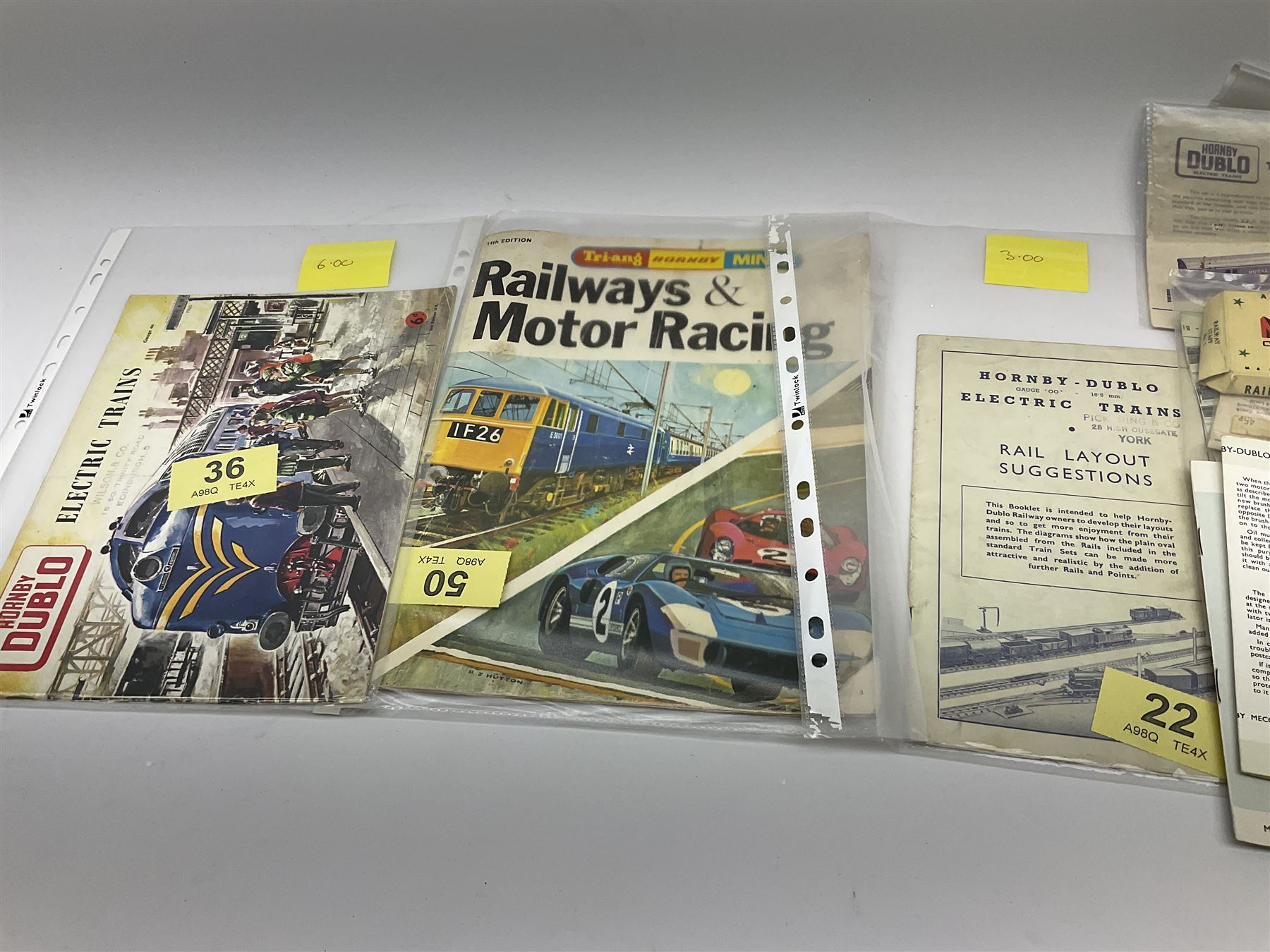 Hornby Dublo - quantity of paper ephemera including Electric Trains catalogues 1960 & 1961; Rail Lay - Image 6 of 9