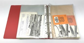 Modern loose leaf binder containing over sixty 1940s - 1960s Hornby Dublo booklets and paper ephemer