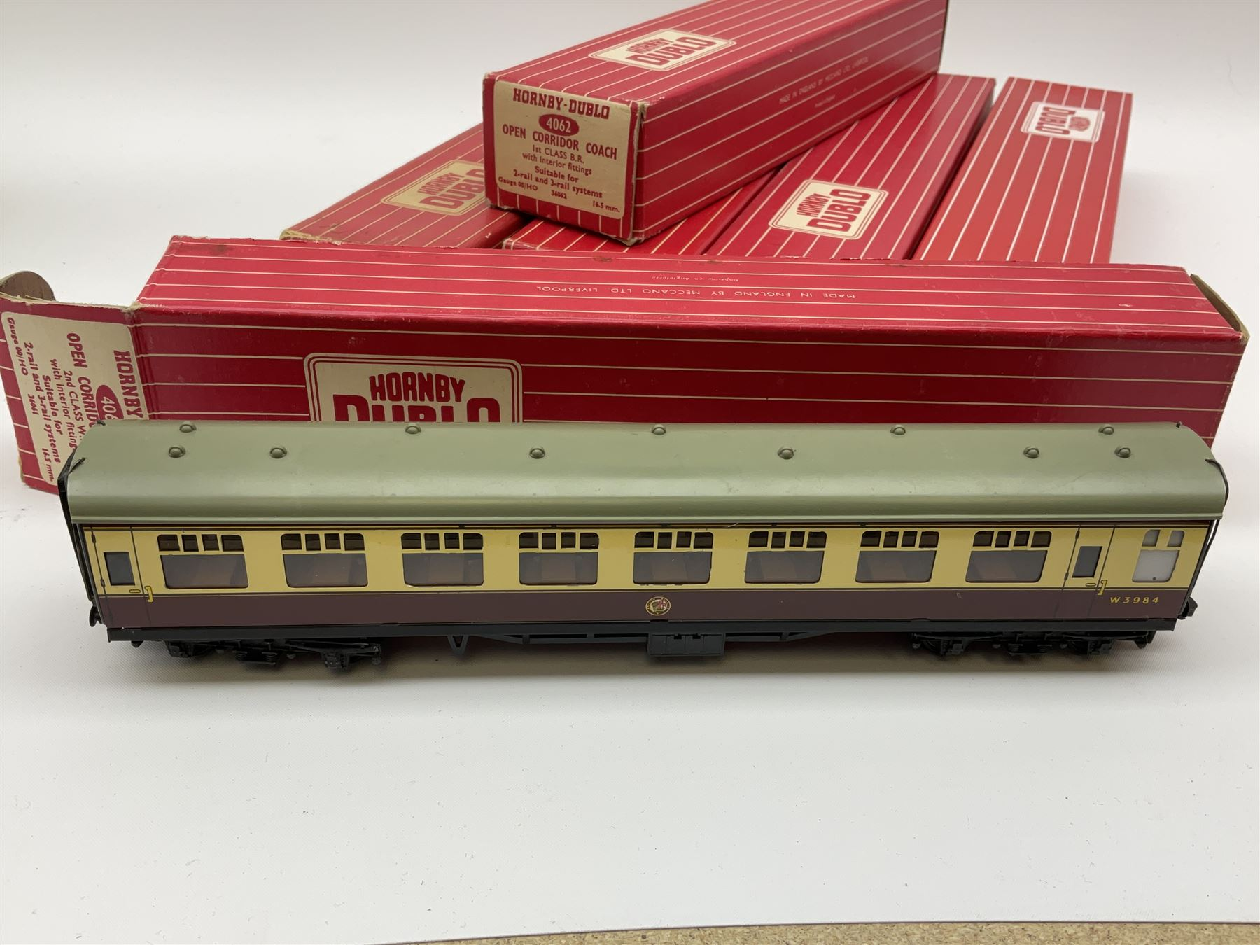 Hornby Dublo - six coaches comprising 4052 Corridor Coach 1st/2nd B.R. in Tony Cooper 1986 box; 4053 - Image 2 of 3