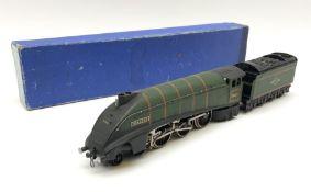 Hornby Dublo - three-rail B.R. (E.R.) A4 Class 4-6-2 locomotive 'Mallard' No.60022 with tender in me