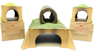 Hornby Dublo - two 5091 Single Track tunnels