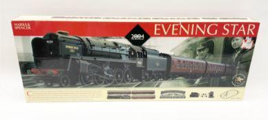 Hornby '00' gauge - Marks & Spencer Evening Star set with Class 9F 2-10-0 locomotive 'Evening Star'