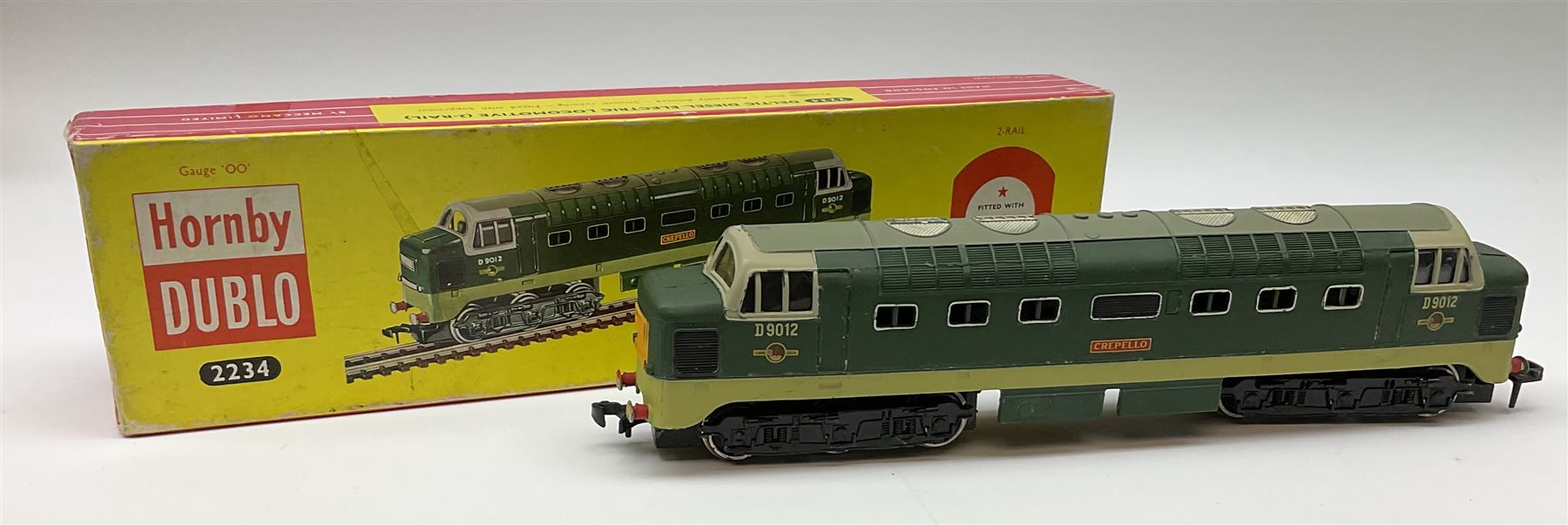 Hornby Dublo - two-rail 2224 Class 8F 2-8-0 locomotive No.48073 with instructions; and 2234 Deltic T - Image 3 of 7