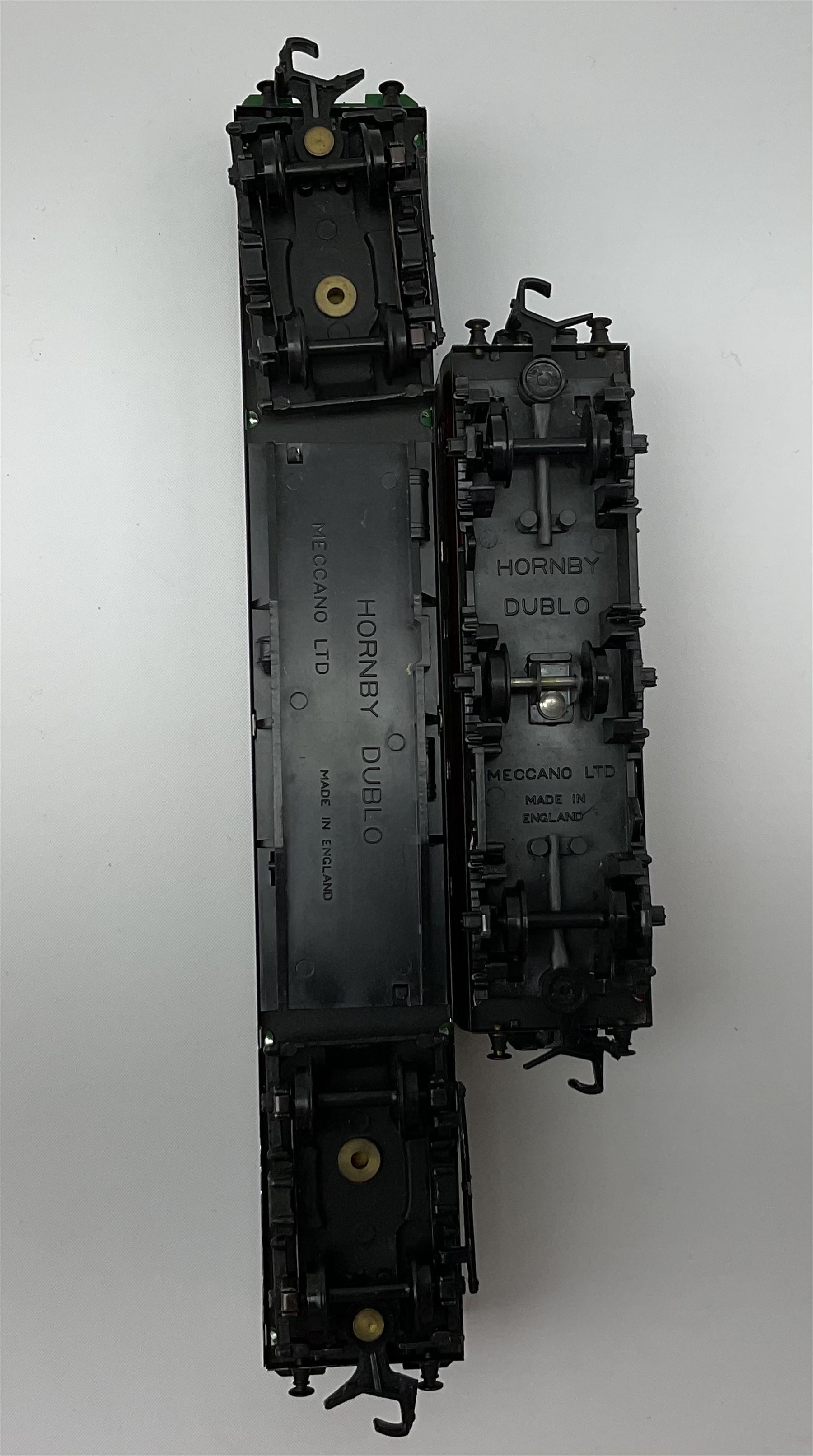 Hornby Dublo - 4076 Six- Wheeled Passenger Brake Van; and 4150 Electric Driving Trailer Coach S.R.; - Image 4 of 4