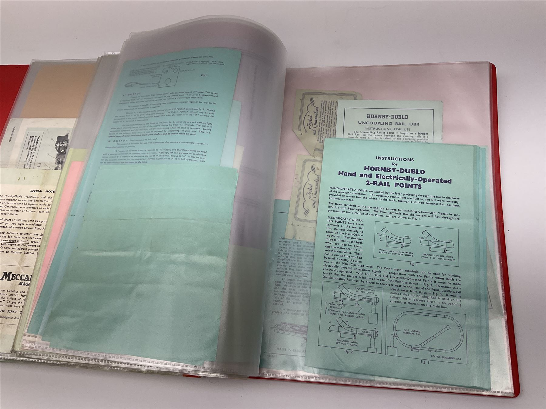 Modern loose leaf binder containing over sixty 1940s - 1960s Hornby Dublo booklets and paper ephemer - Image 7 of 7
