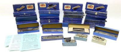 Hornby Dublo - forty boxed track accessories comprising three EUBR; eight ISPR (right hand); two 372