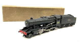 Hornby Dublo - three-rail LMR Class 8F 2-8-0 Freight locomotive No.48158 with tender and instruction