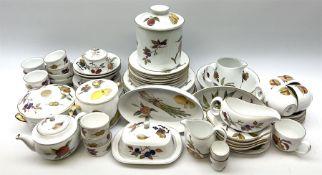 Royal Worcester Evesham pattern tea and dinner wares