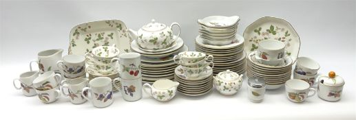 Group of Royal Worcester Evesham pattern tea and dinner wares