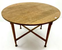 Early 20th century circular dining table