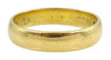 18ct gold wedding band hallmarked