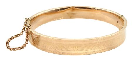 Early 20th century 9ct rose gold hinged bangle approx