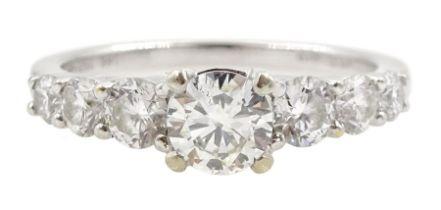 18ct white gold graduating seven stone round brilliant cut diamond ring