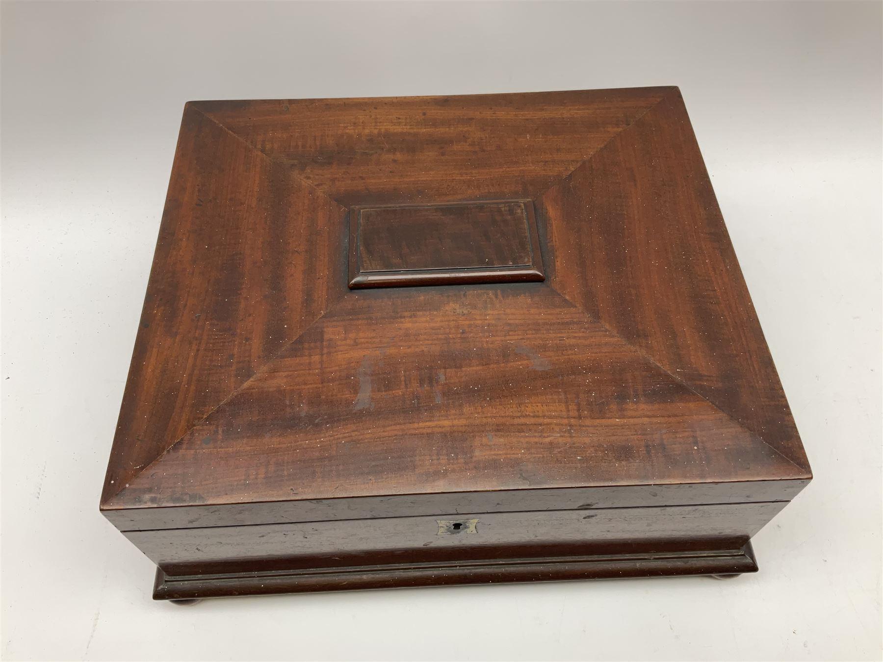 A Victorian mahogany box - Image 2 of 6