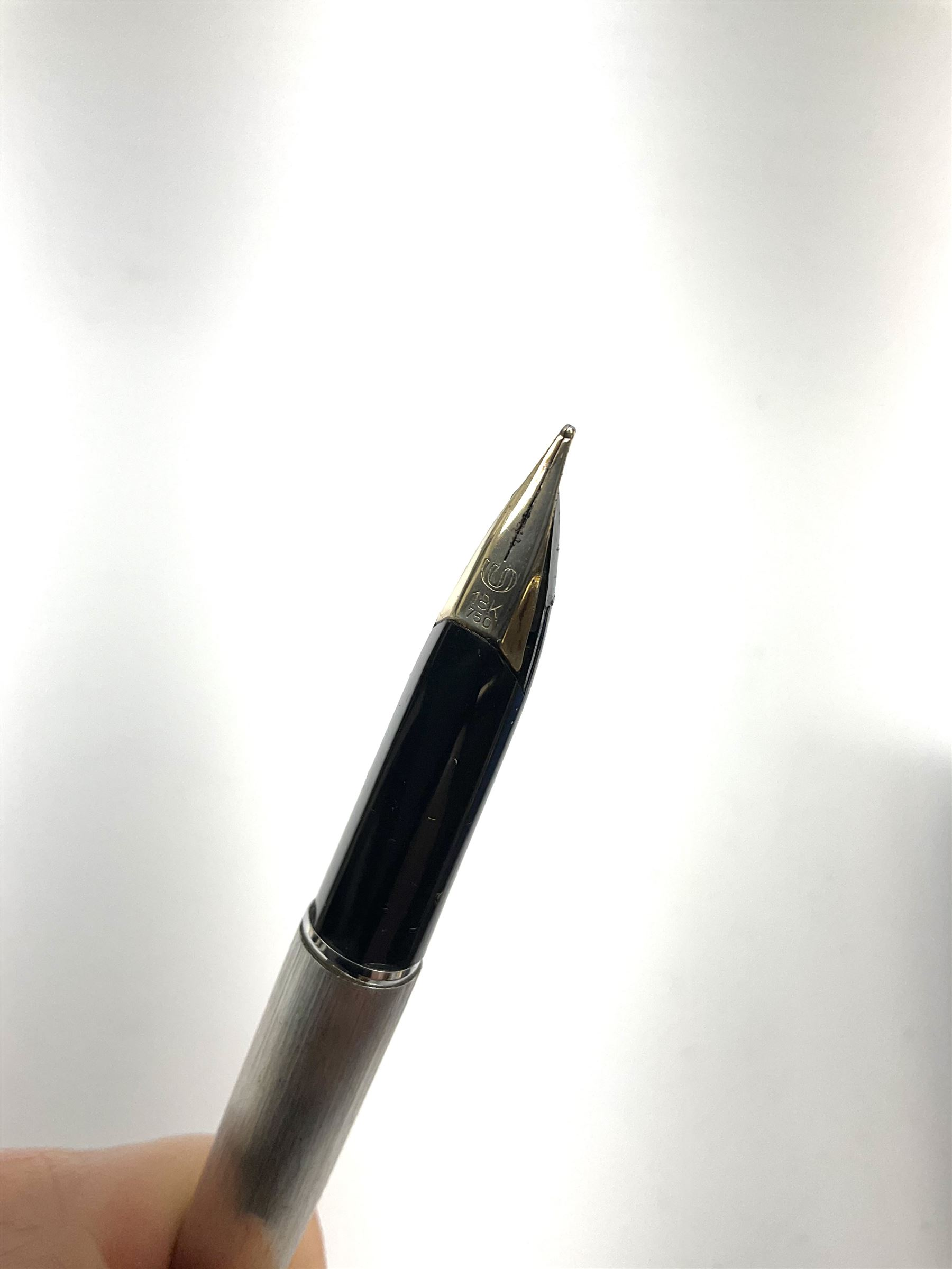 Waterman fountain pen with 18k gold nib - Image 2 of 2