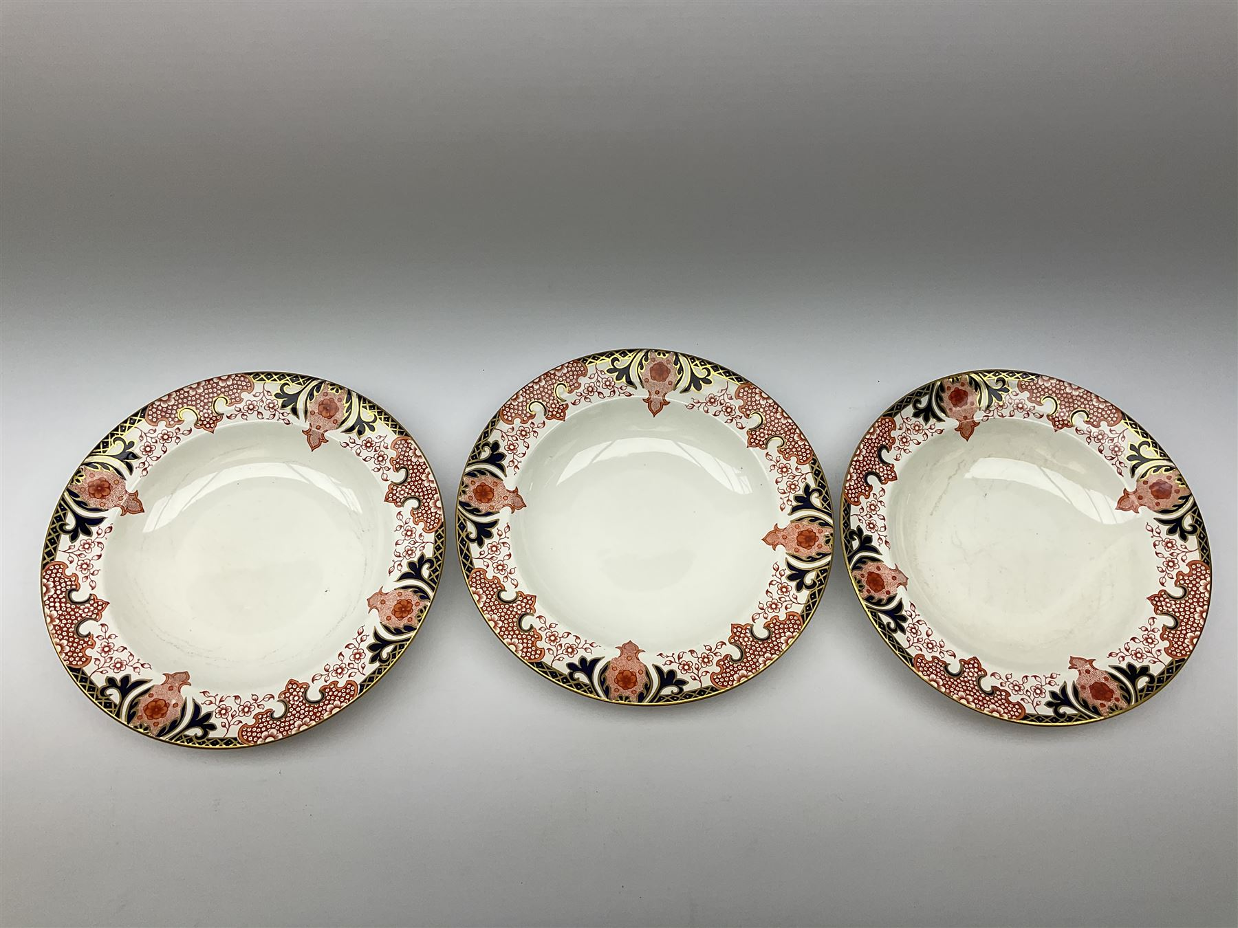 A Royal Crown Derby Imari 1128 pattern plate - Image 6 of 7