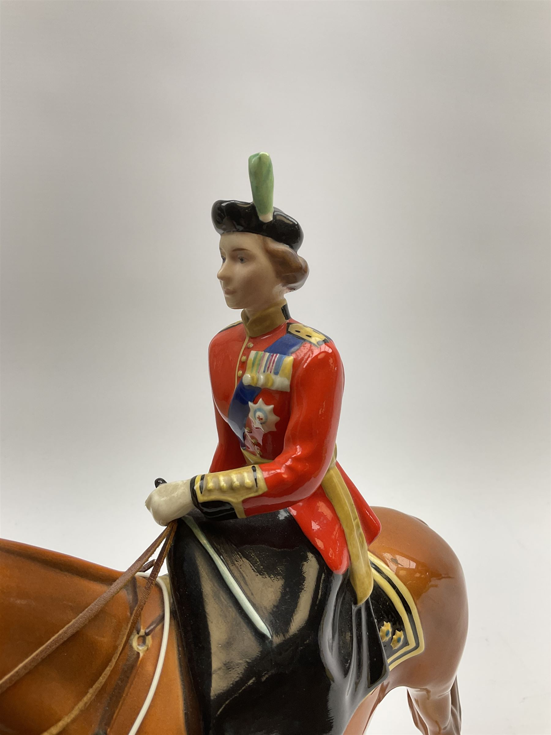 A Beswick model of HM Queen Elizabeth II mounted on Imperial Trooping the colour 1957 - Image 2 of 12
