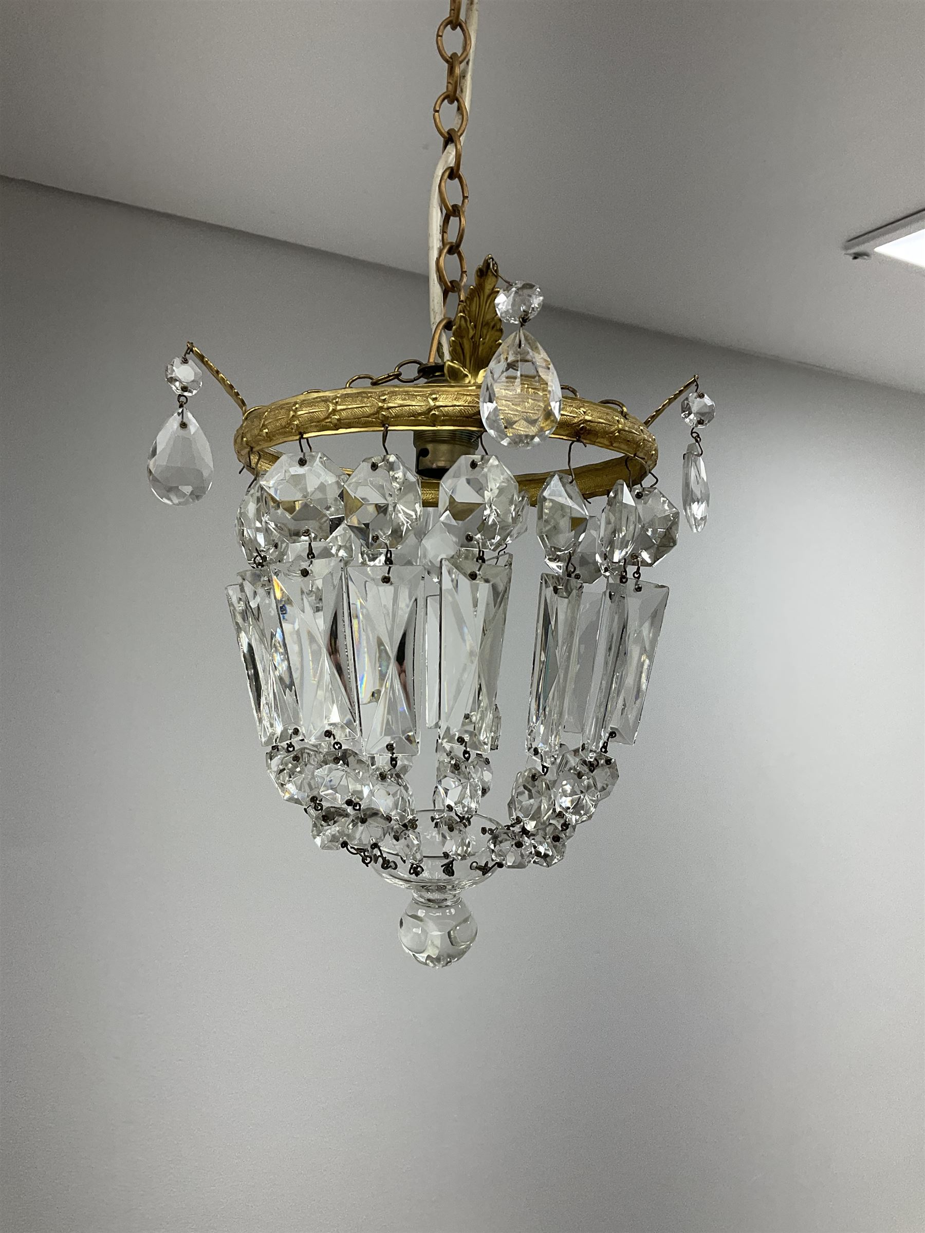 A pair of cut glass bag chandeliers with gilt metal mounts of clear glass drops - Image 3 of 3