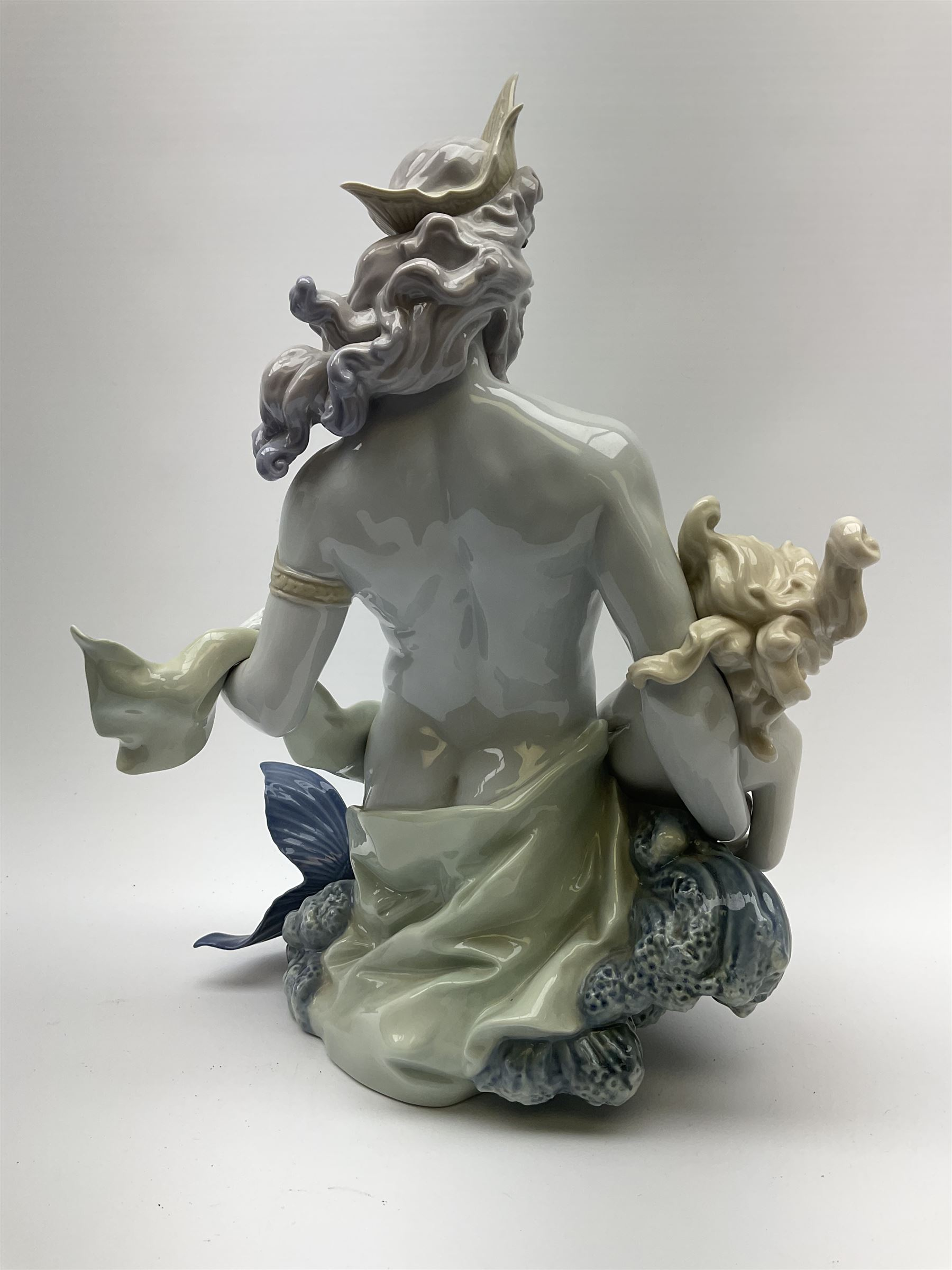 A large Lladro figure - Image 6 of 8