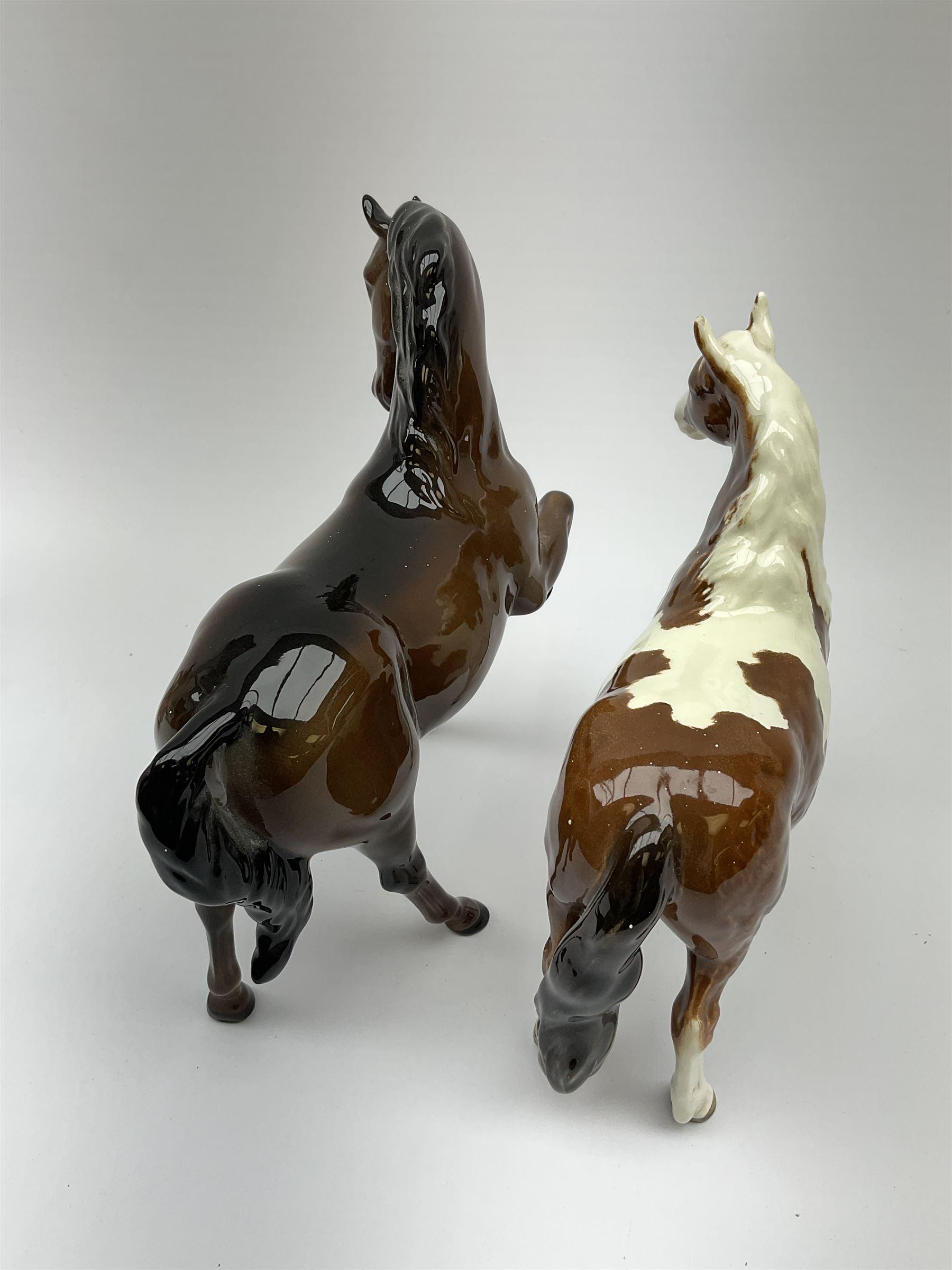 A Beswick Skewbald Pinto pony - Image 7 of 8