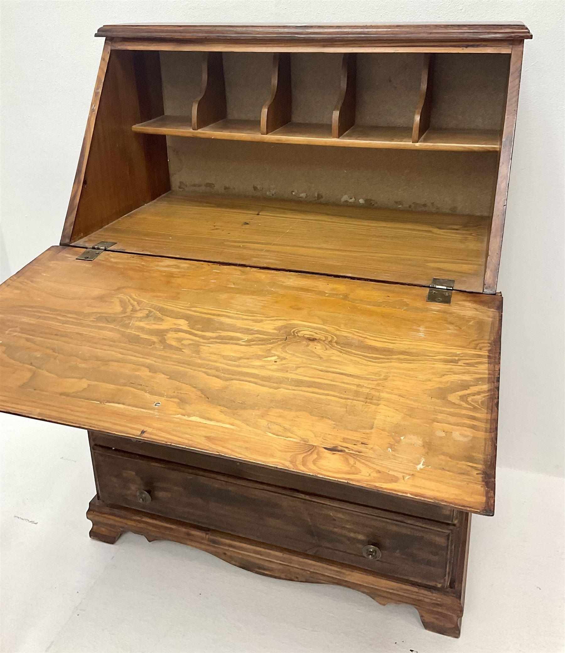 Hardwood bureau desk - Image 3 of 3