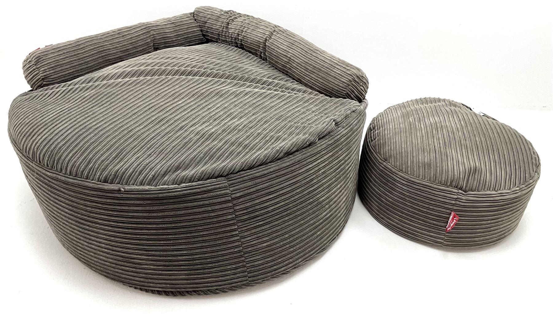 Large Lounge Pug bean bag seat