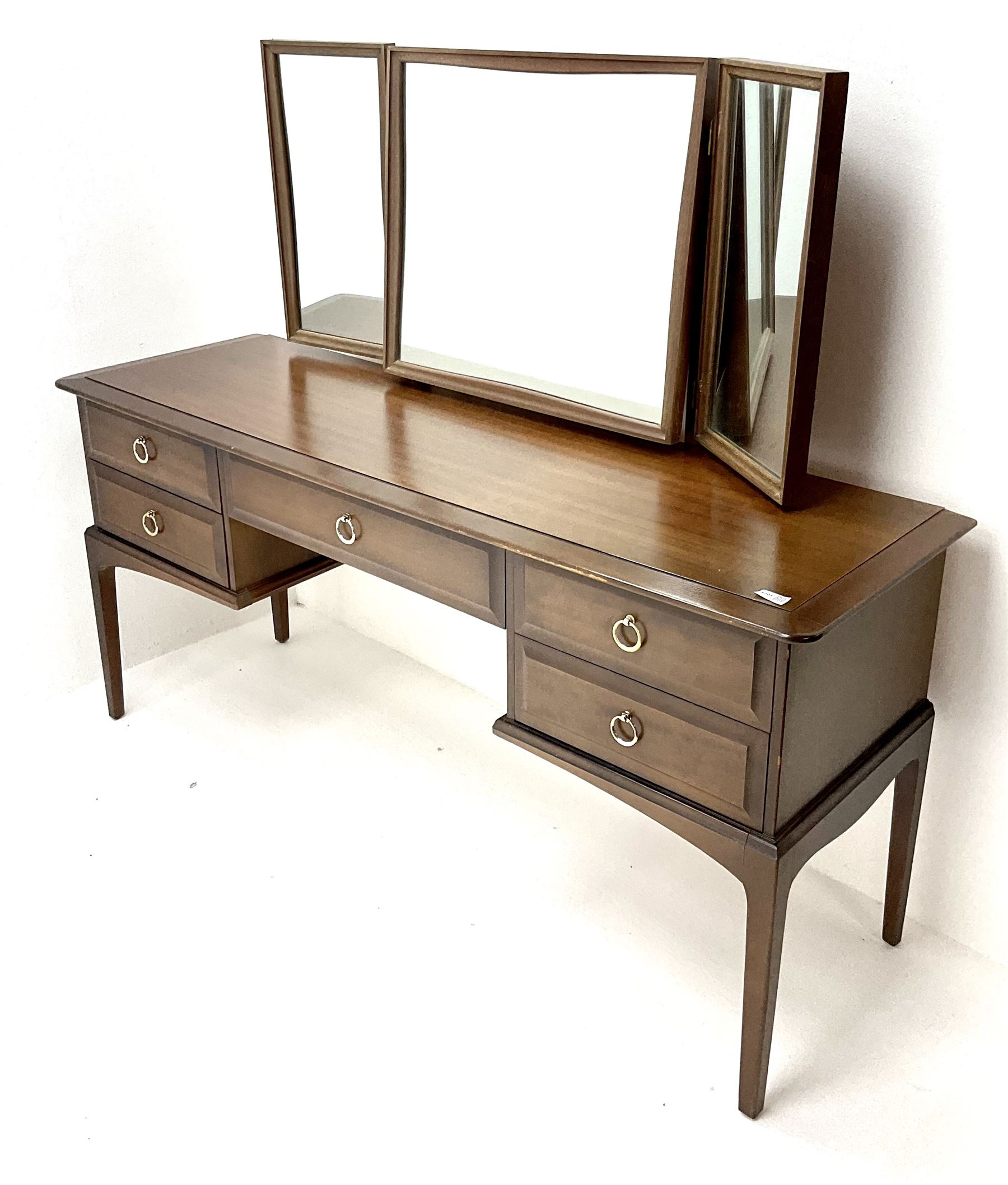 Stag minstrel dressing table - Image 2 of 2