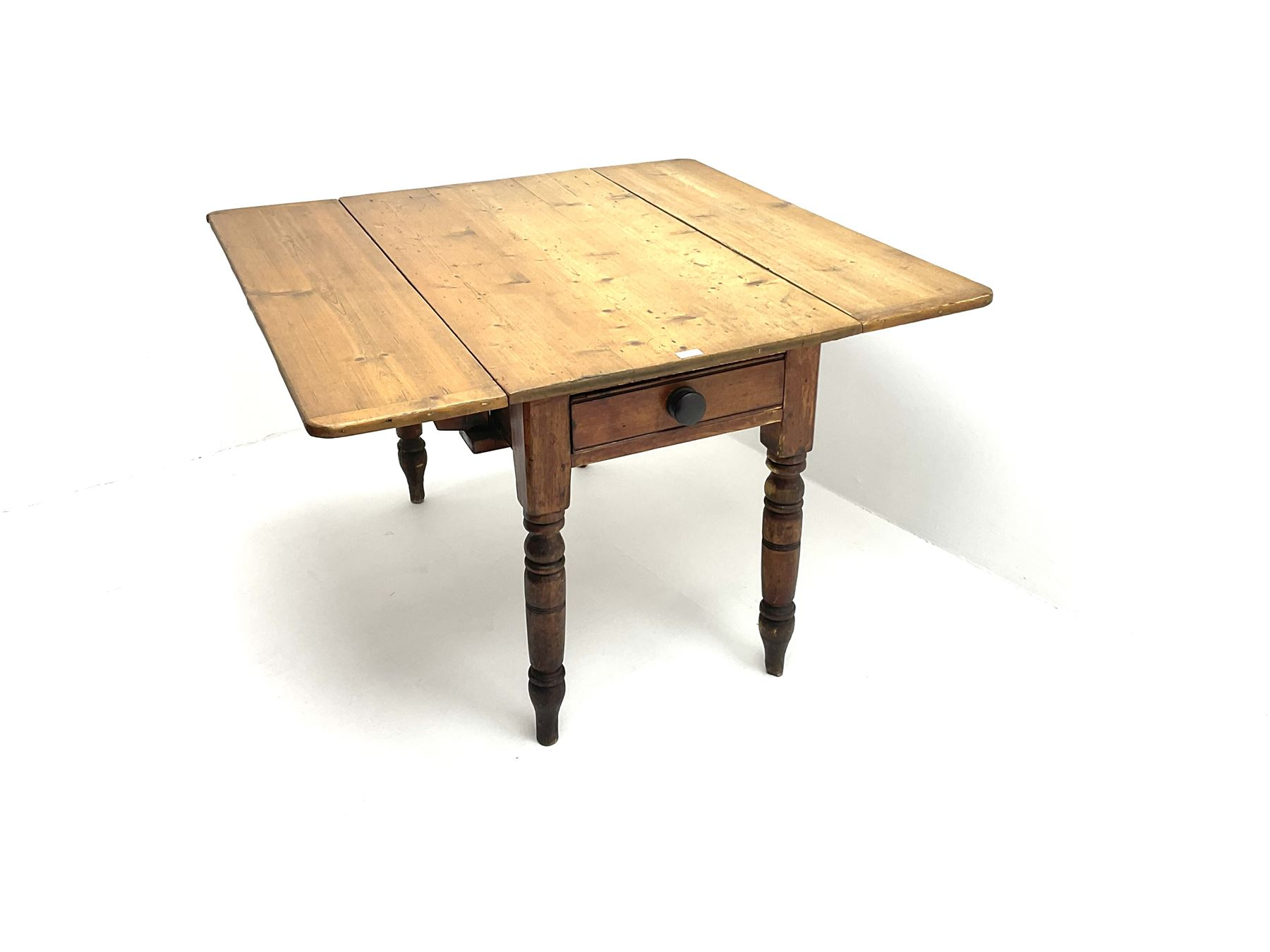 Victorian stained and polished pine drop leaf kitchen table - Image 2 of 4