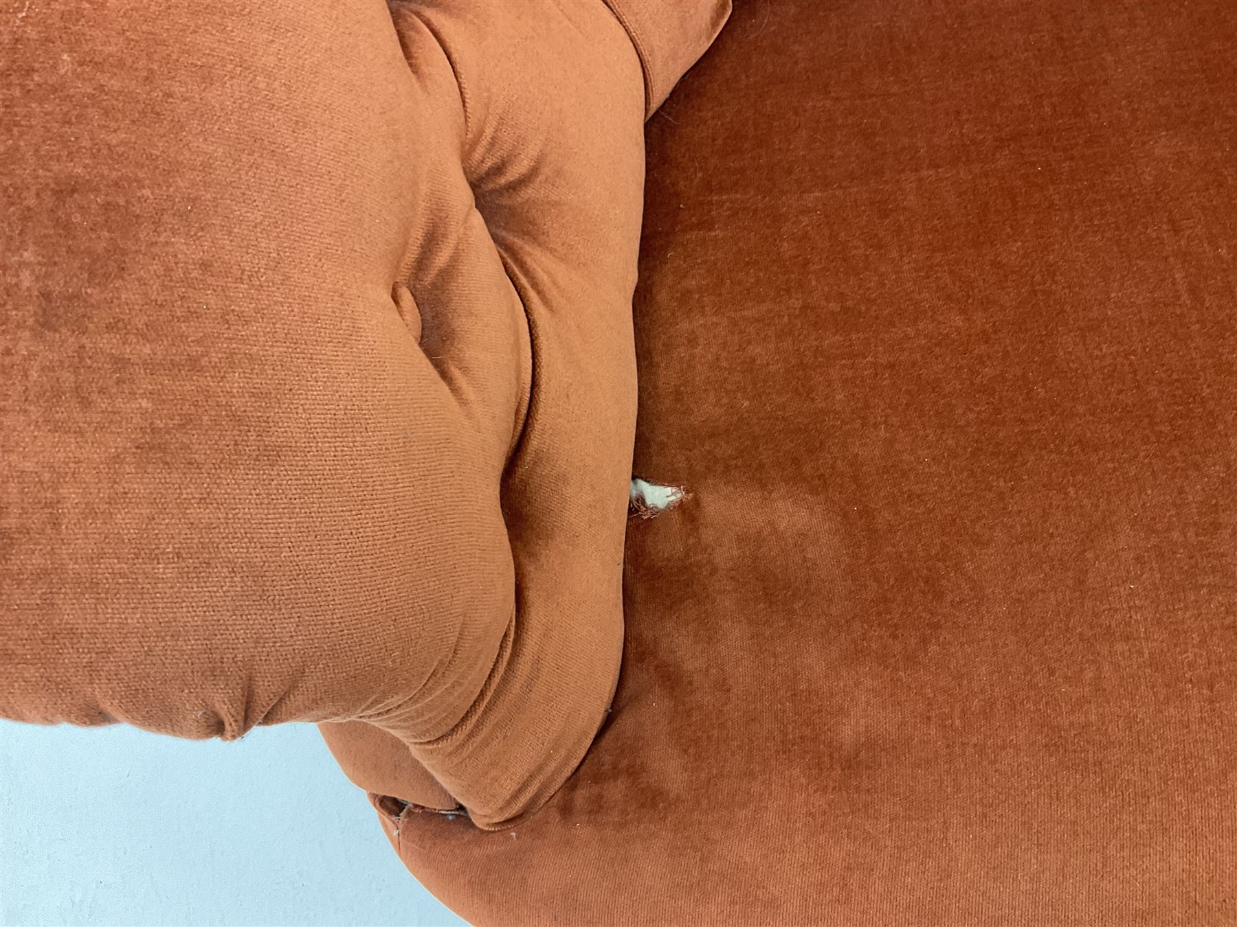 Victorian three seat settee upholstered in deep buttoned terracotta fabric - Image 4 of 5