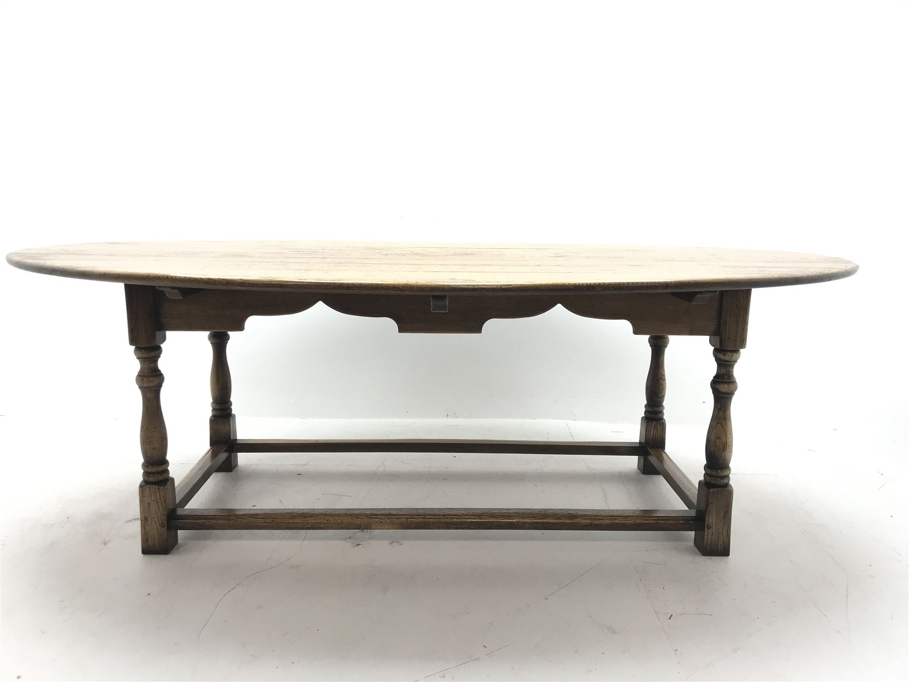 17th century style oval distressed light oak plank top dining table - Image 4 of 5