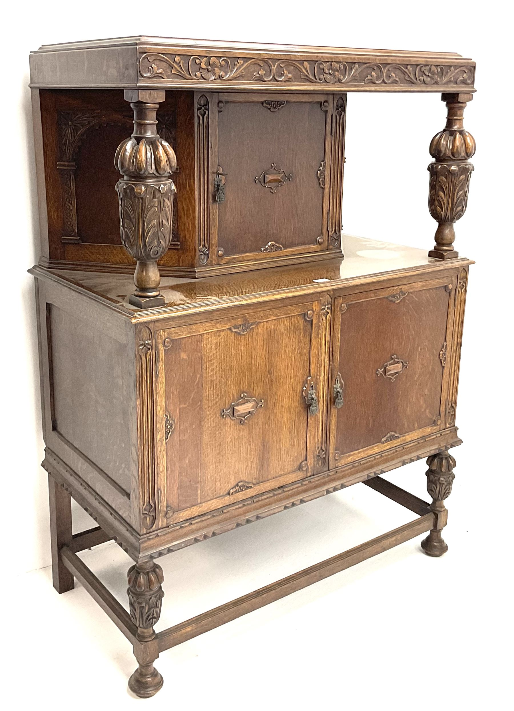 Early 20th century carved oak court cupboard fitted with single cupboard above double cupboard doors - Image 2 of 4