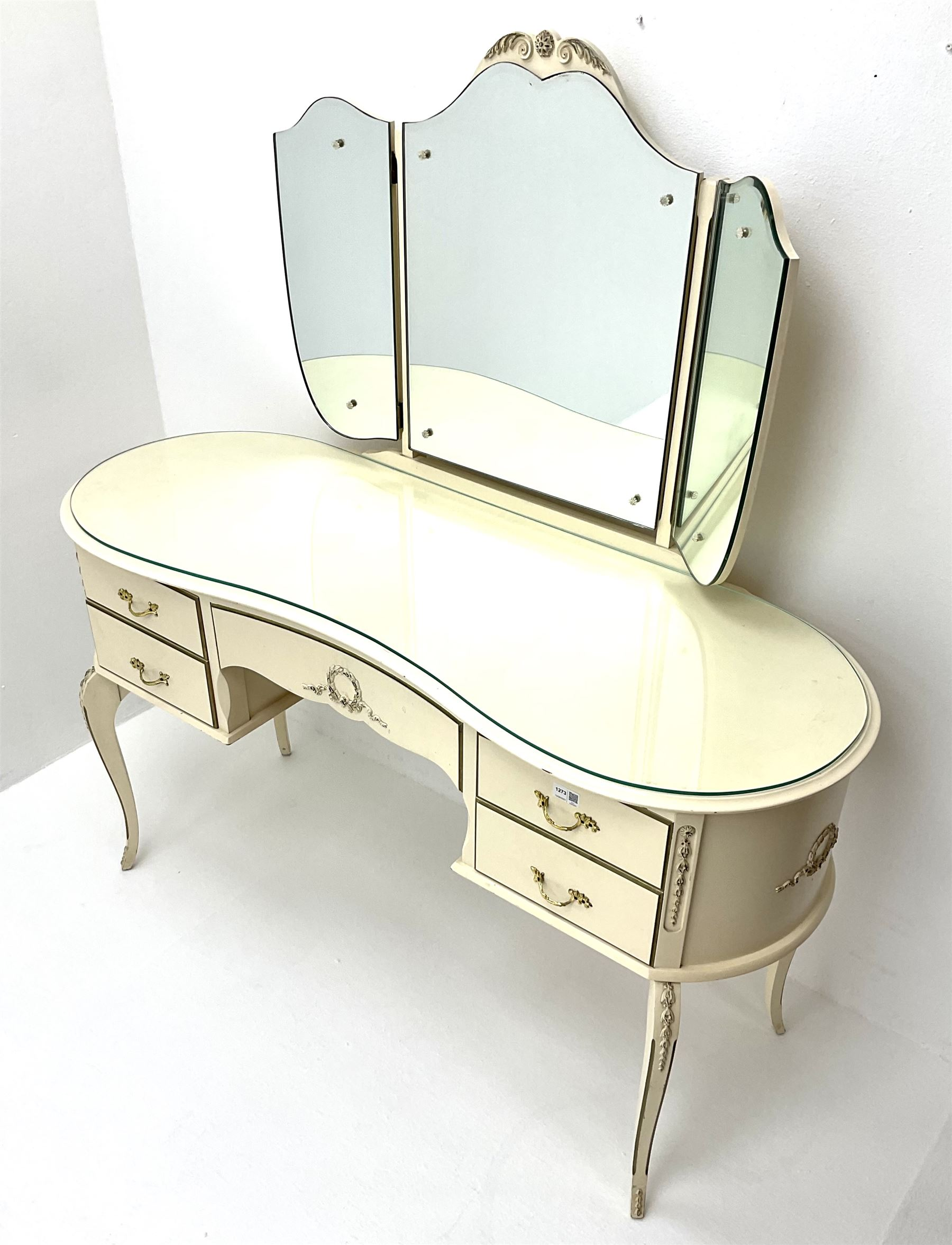 French style cream and gilt kidney shaped dressing table with Teri ole mirror - Image 3 of 3