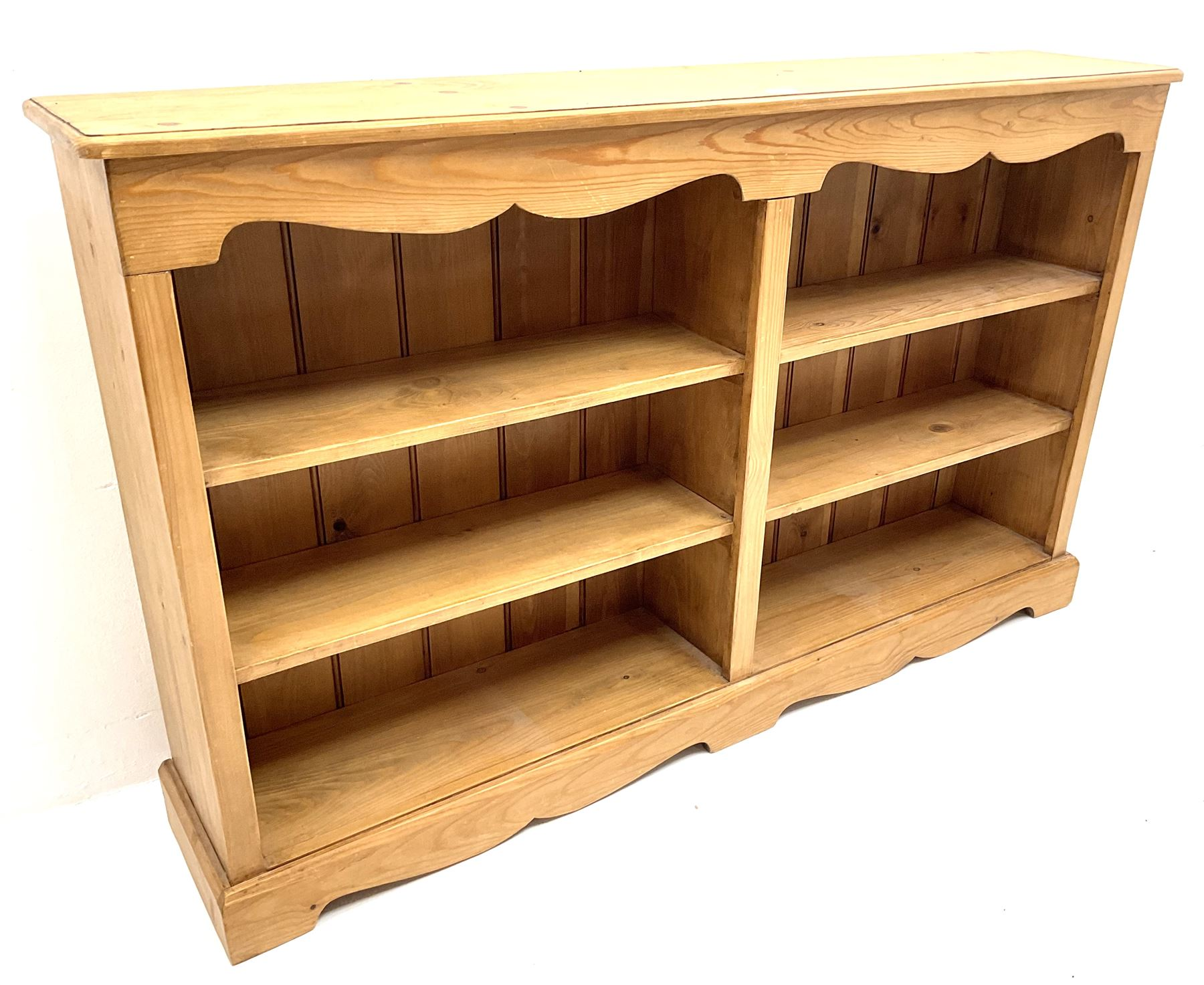 Solid pine low open bookcase - Image 2 of 3