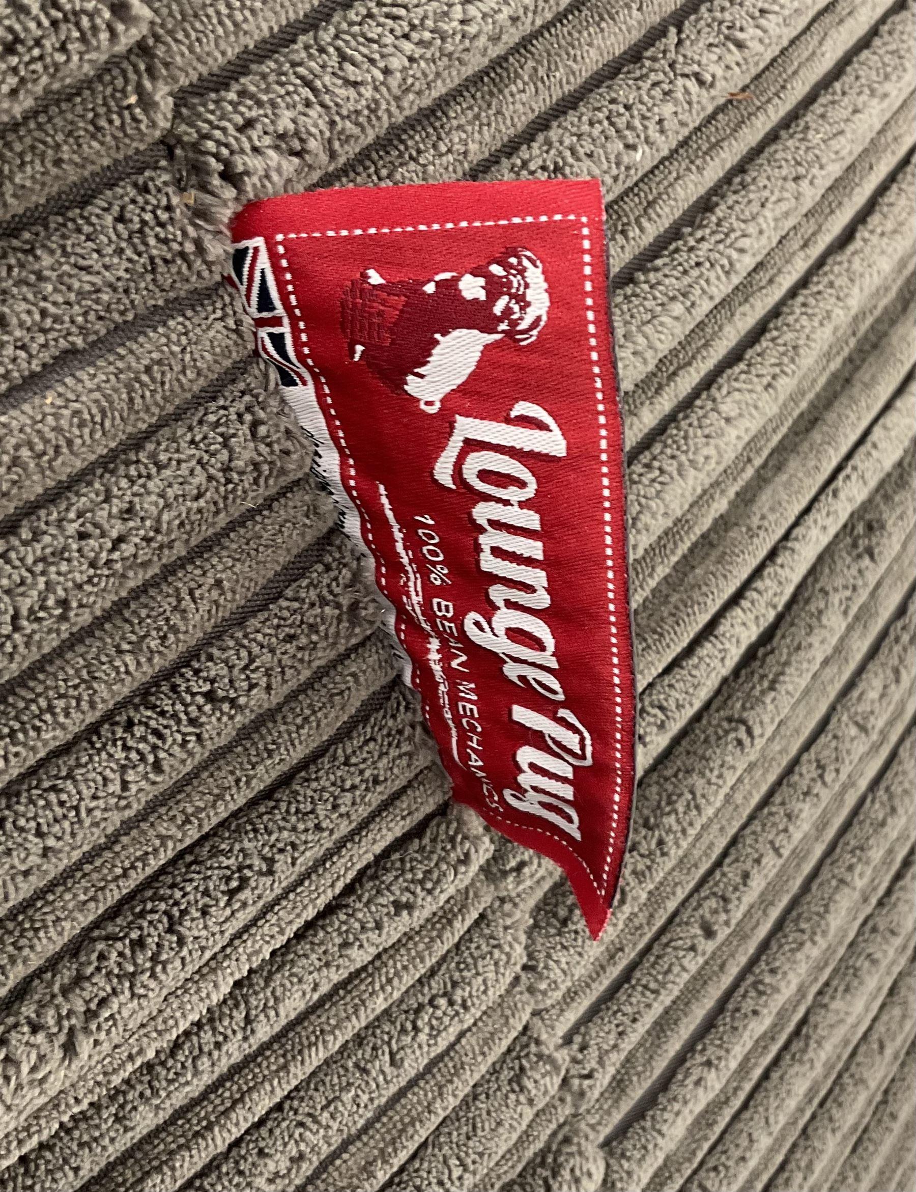 Large Lounge Pug bean bag seat - Image 4 of 4
