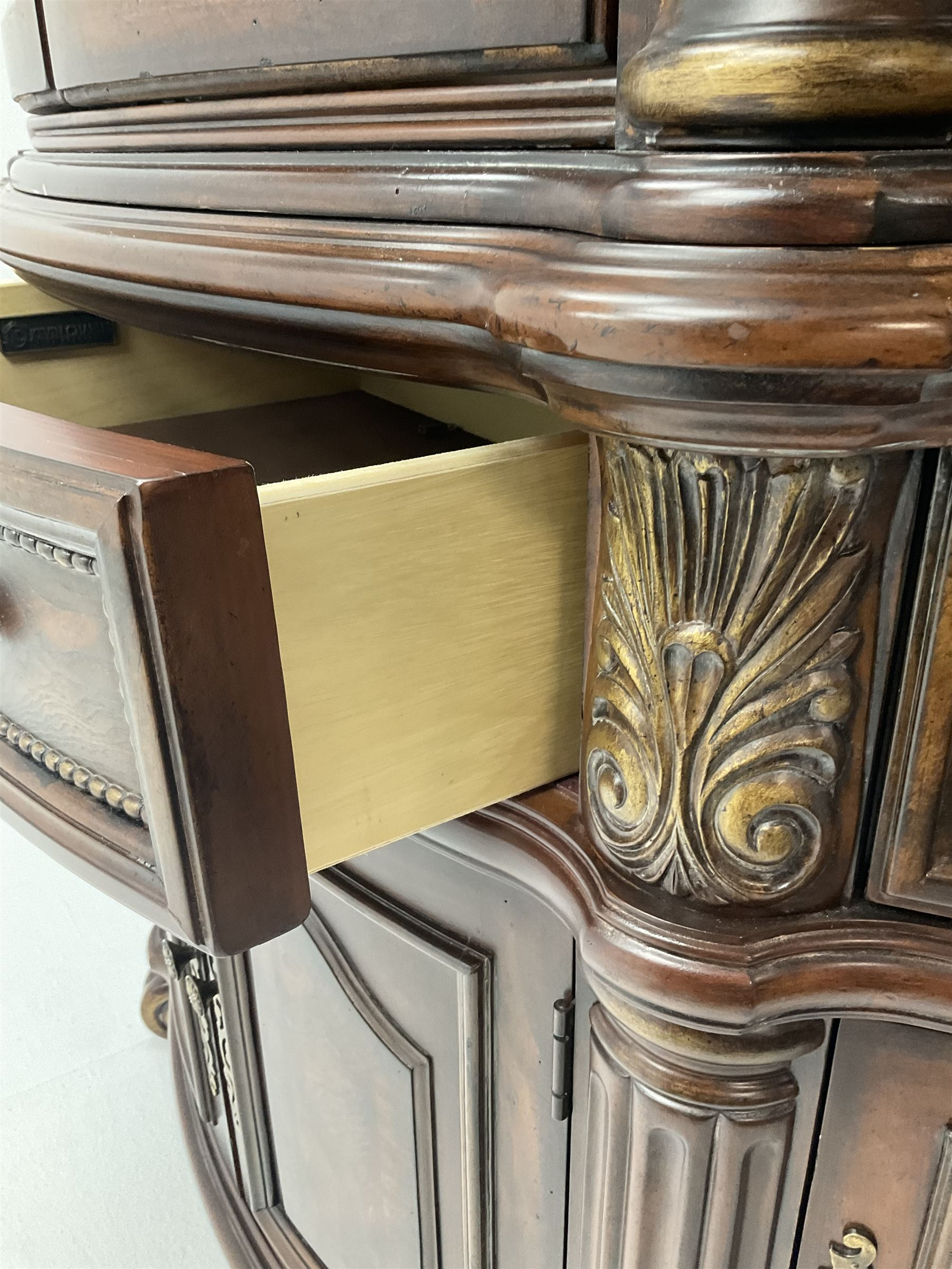Kevin Charles American walnut demi lune display cabinet with illuminated interior - Image 6 of 13