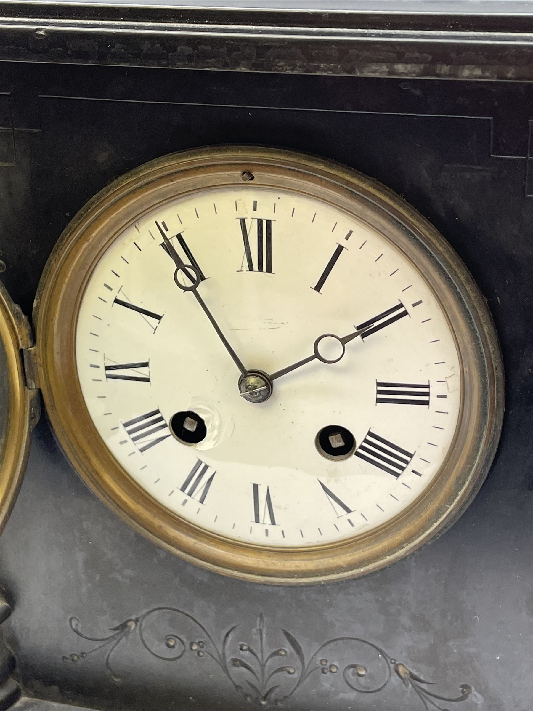 Victorian black slate and marble mantel clock - Image 3 of 5