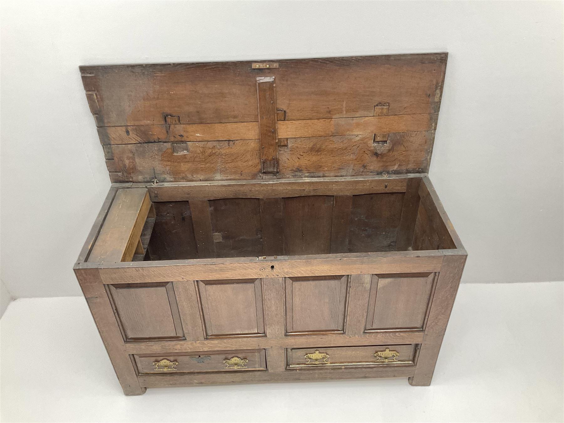 18th century oak mule chest - Image 4 of 6