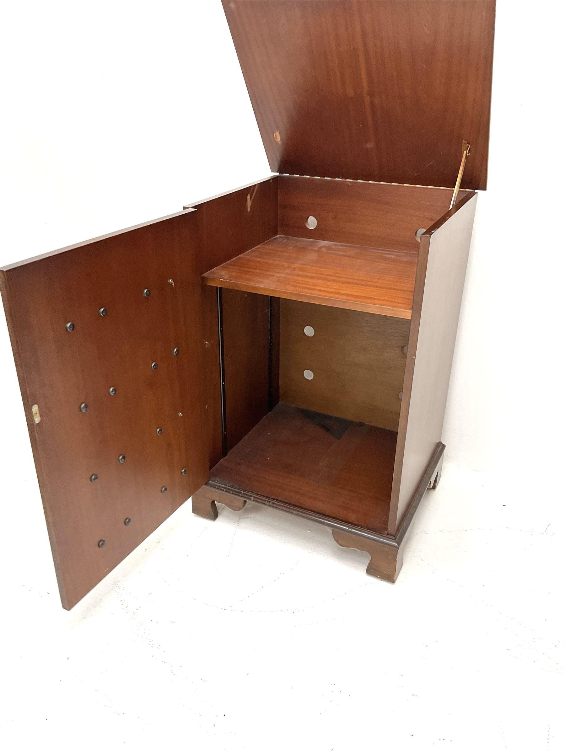 Georgian style mahogany music cabinet - Image 3 of 3