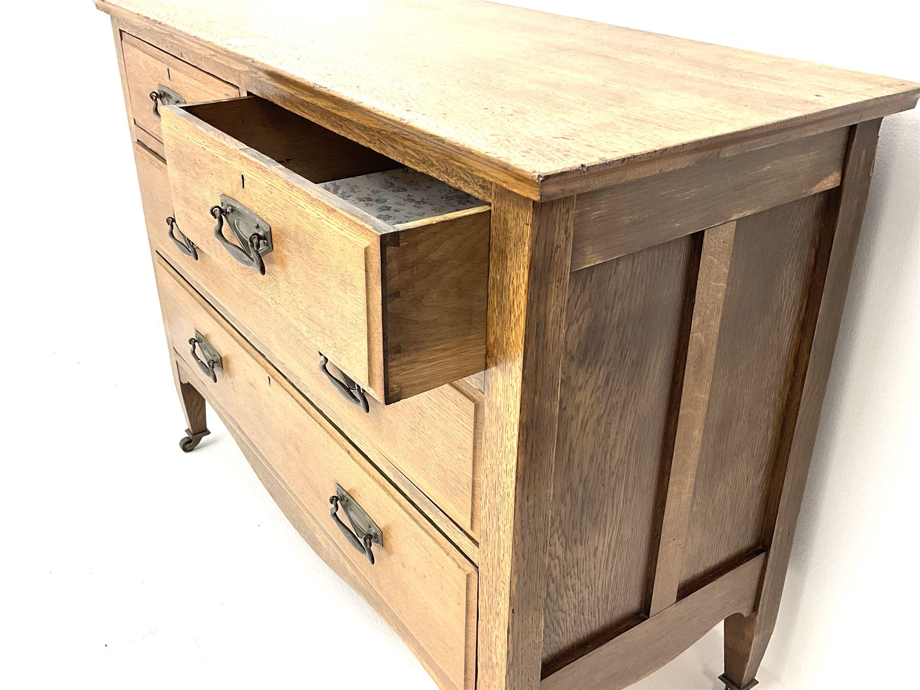 Edwardian oak chest - Image 3 of 3