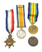 Group of three WW1 medals comprising 1914-15 Star