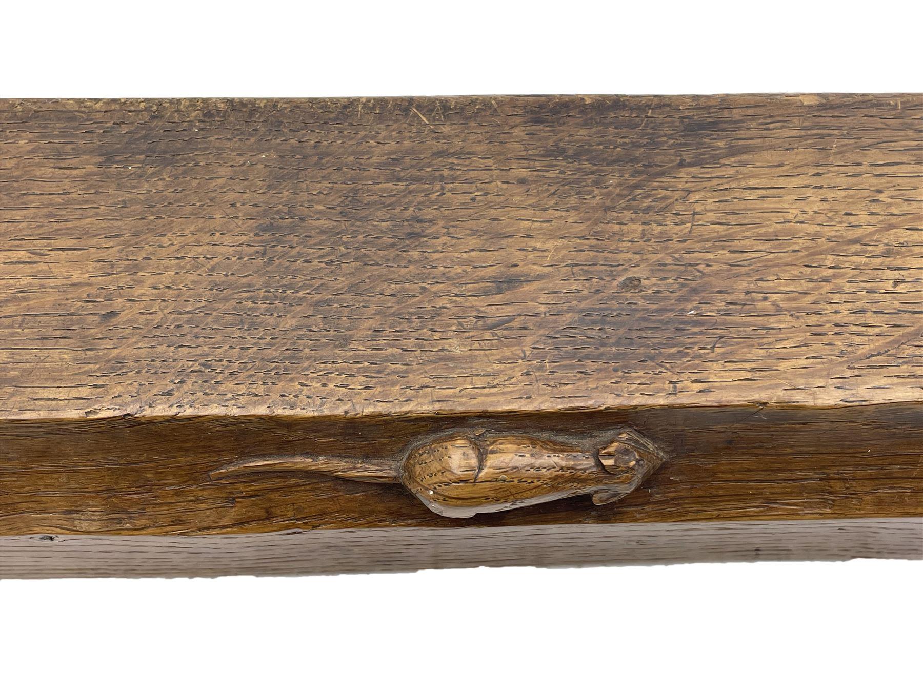 'Mouseman' 1930s/40s tooled oak fire fender - Image 2 of 7