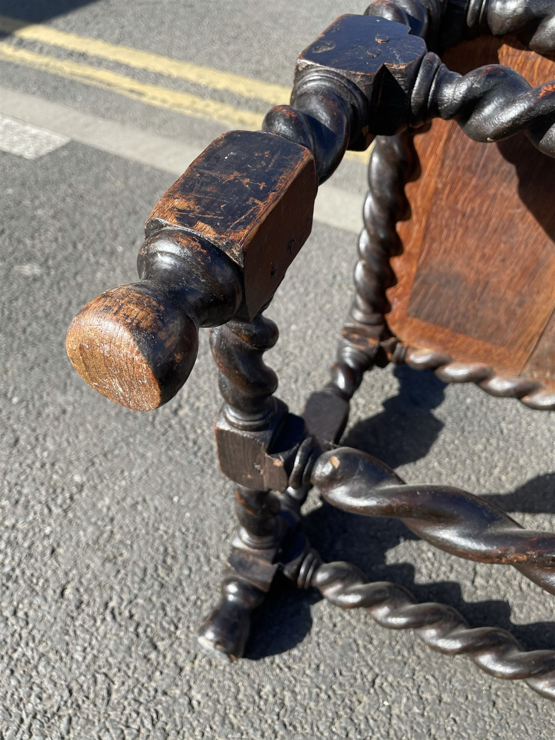 Unusual pair late 17th century oak spindle-back chairs - Image 16 of 20