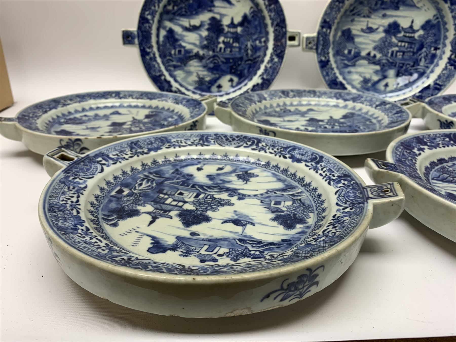 Set of seven late 18th/early 19th century Chinese export blue and white hot water plates - Image 11 of 11