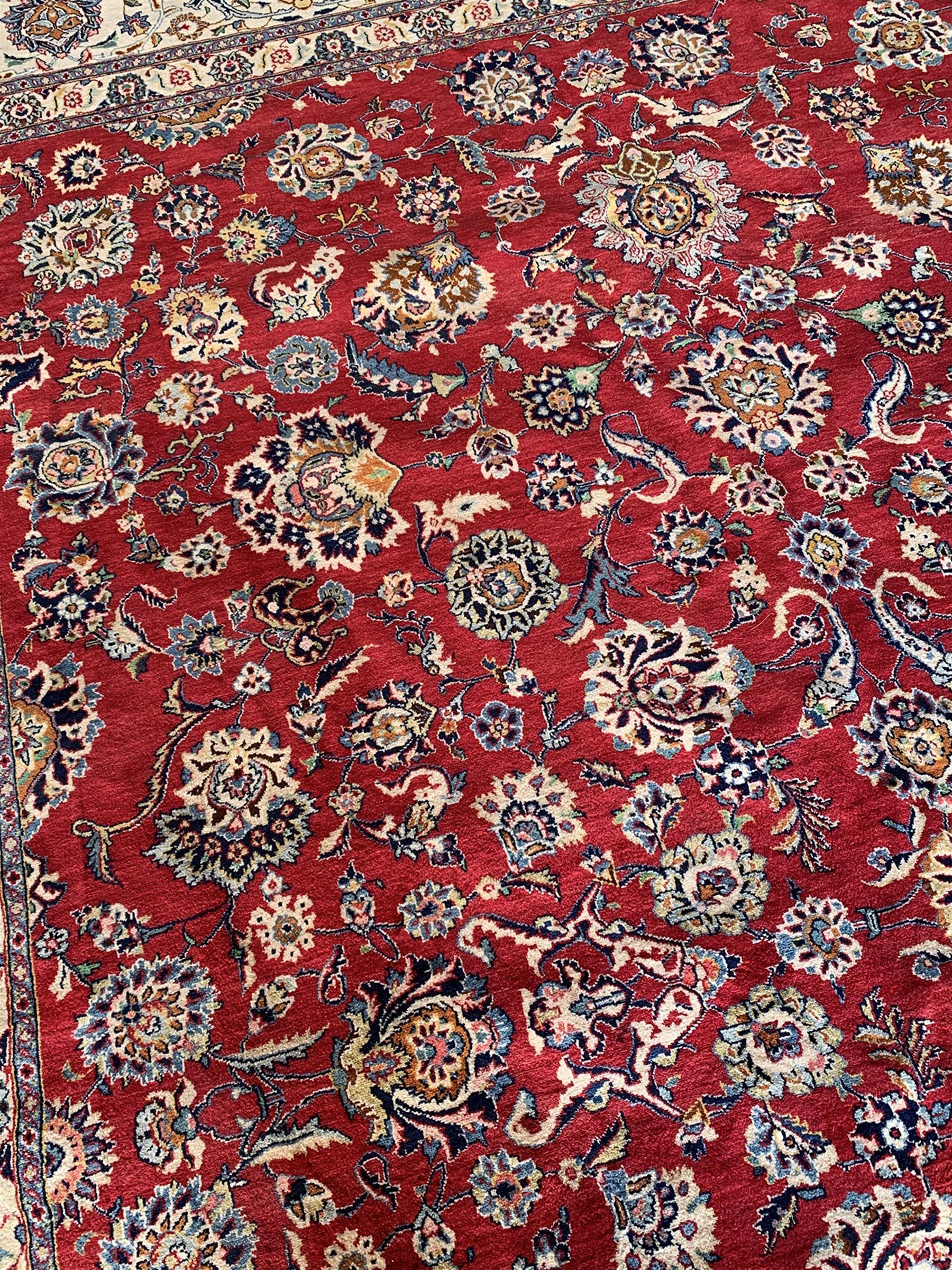 Large Fine Persian Kashan rug - Image 6 of 11