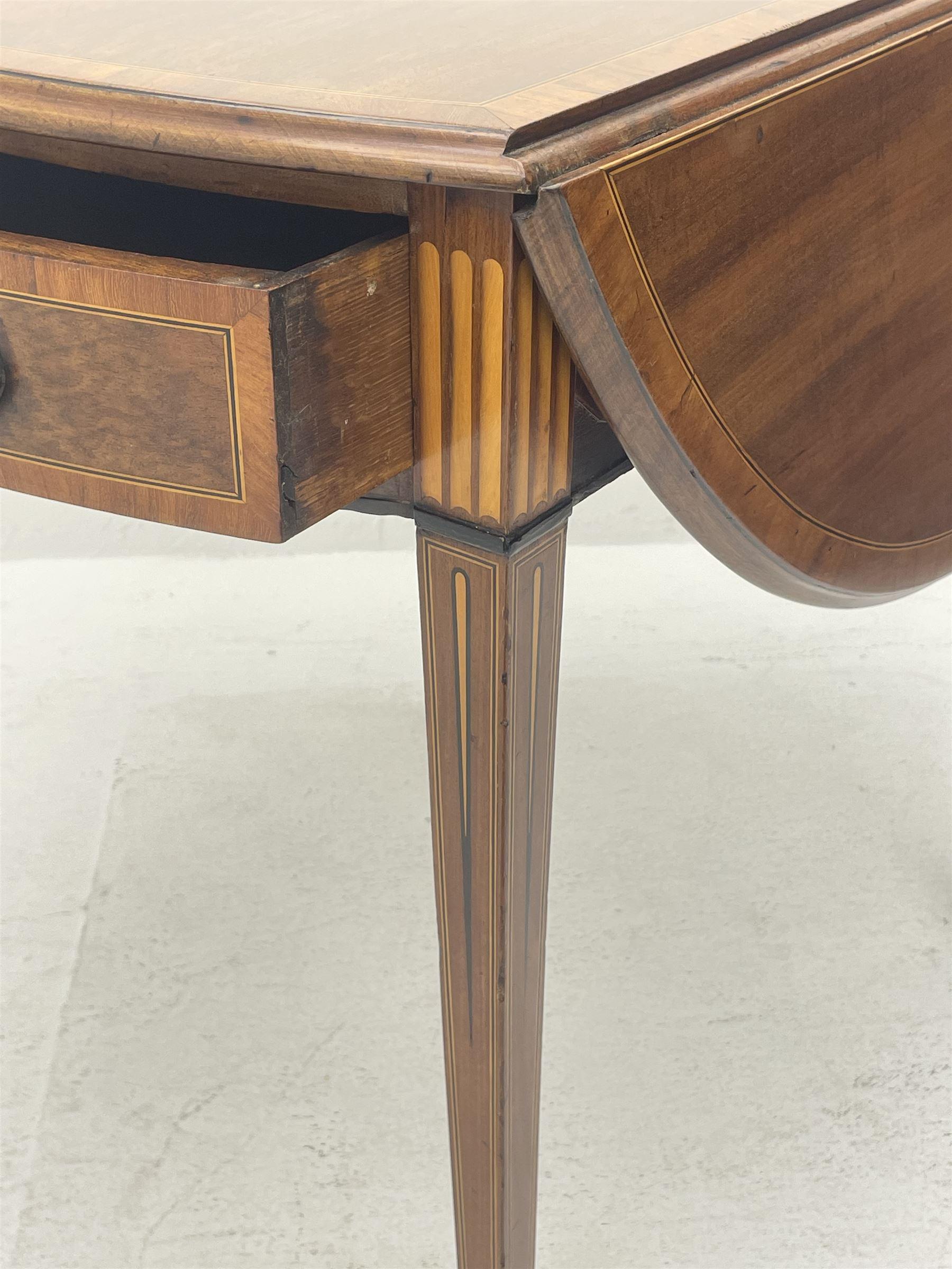 Sheraton period mahogany Pembroke table - Image 8 of 8