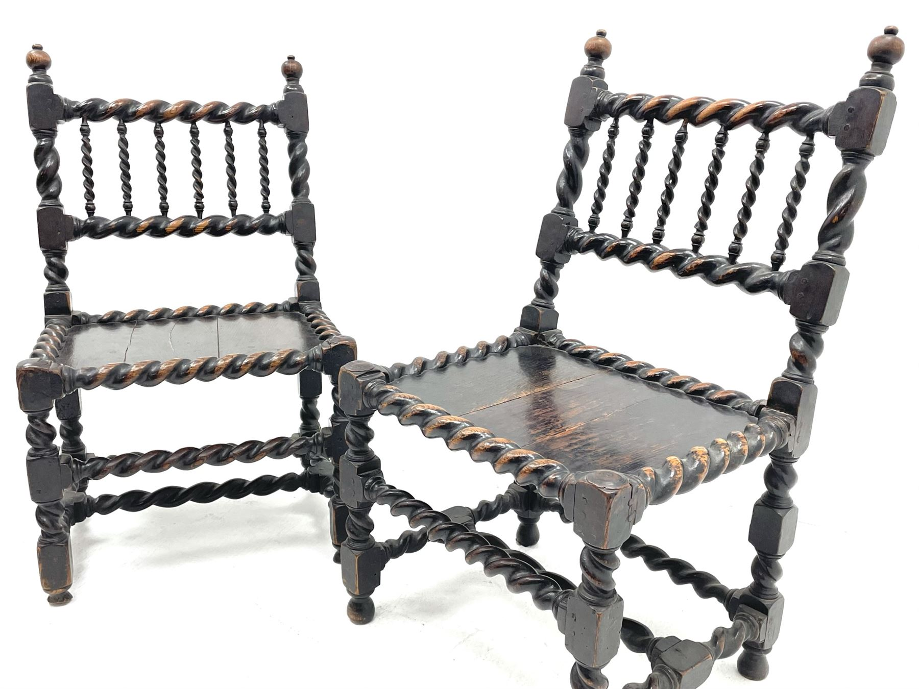 Unusual pair late 17th century oak spindle-back chairs - Image 3 of 20