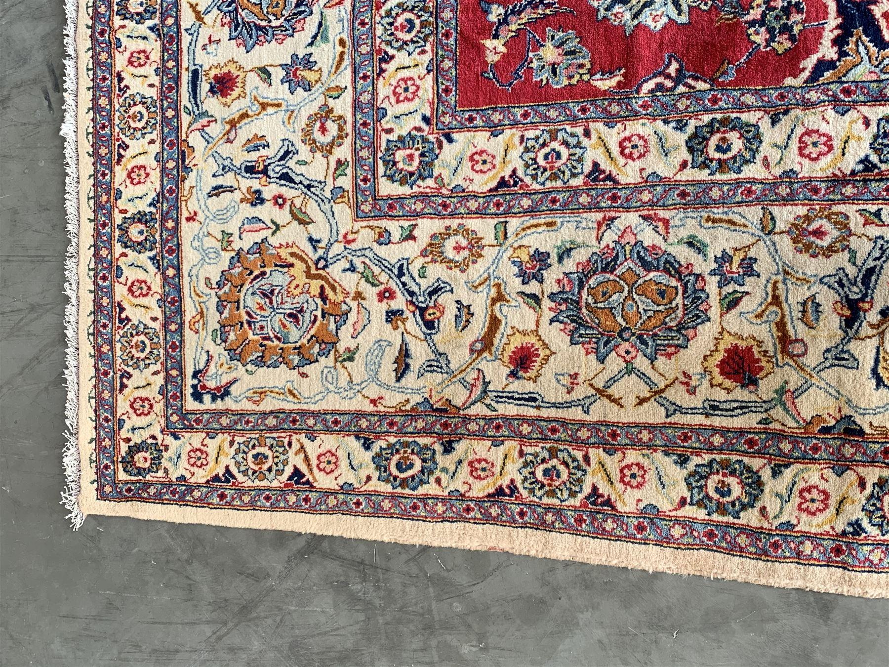 Large Fine Persian Kashan rug - Image 8 of 11