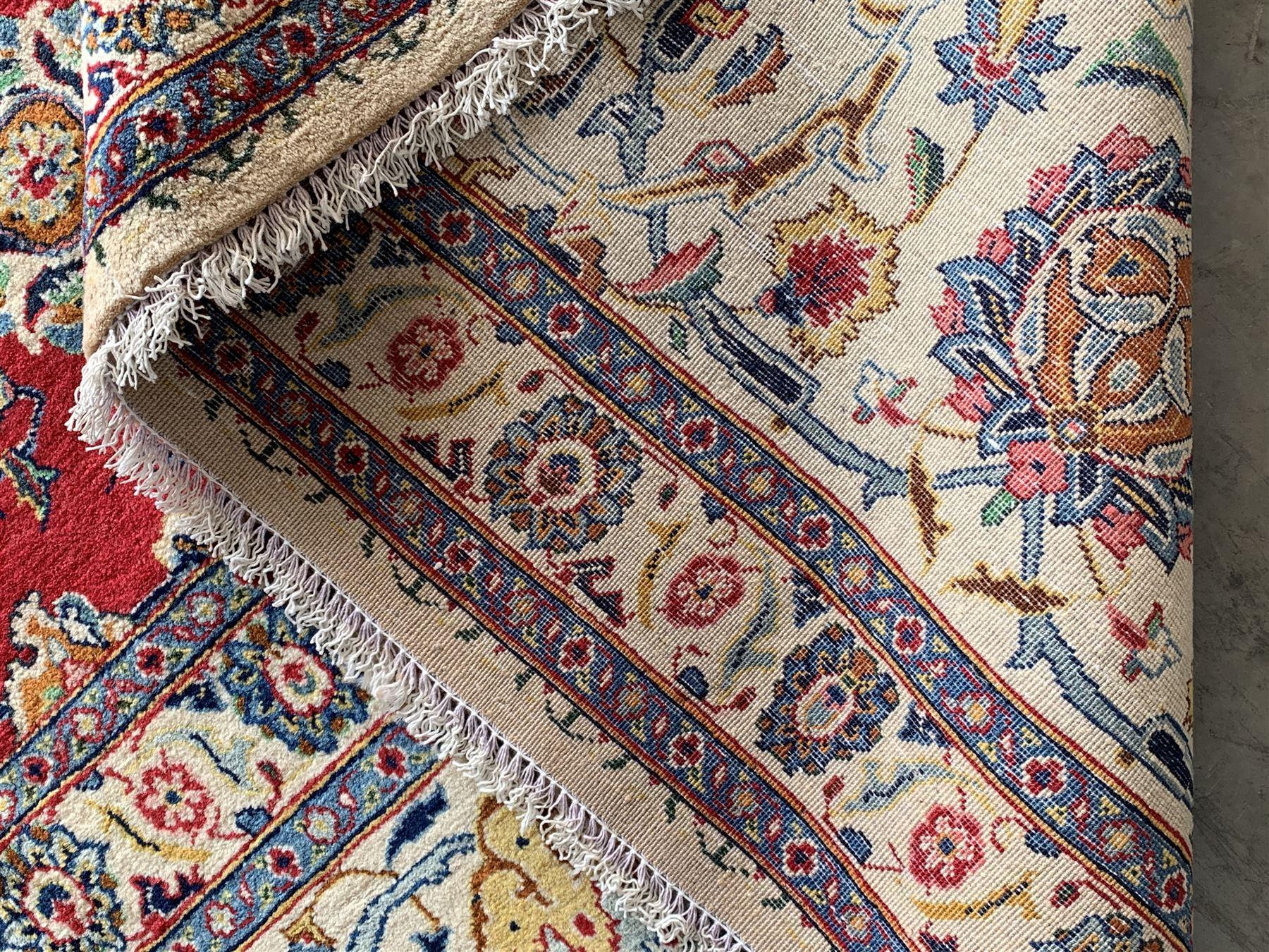 Large Fine Persian Kashan rug - Image 9 of 11