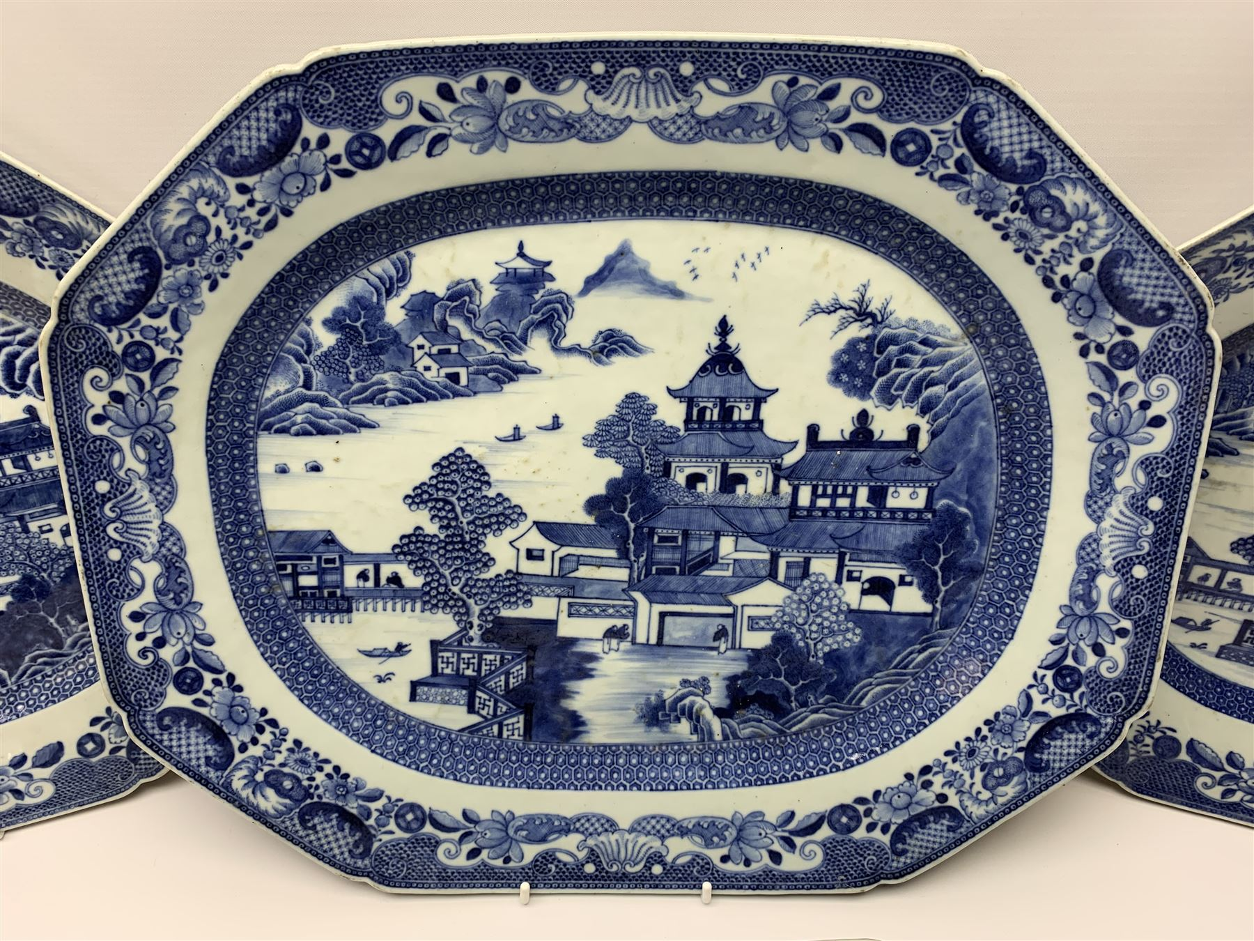 Late 18th/early 19th century Chinese export blue and white forty seven piece part dinner service - Image 2 of 20