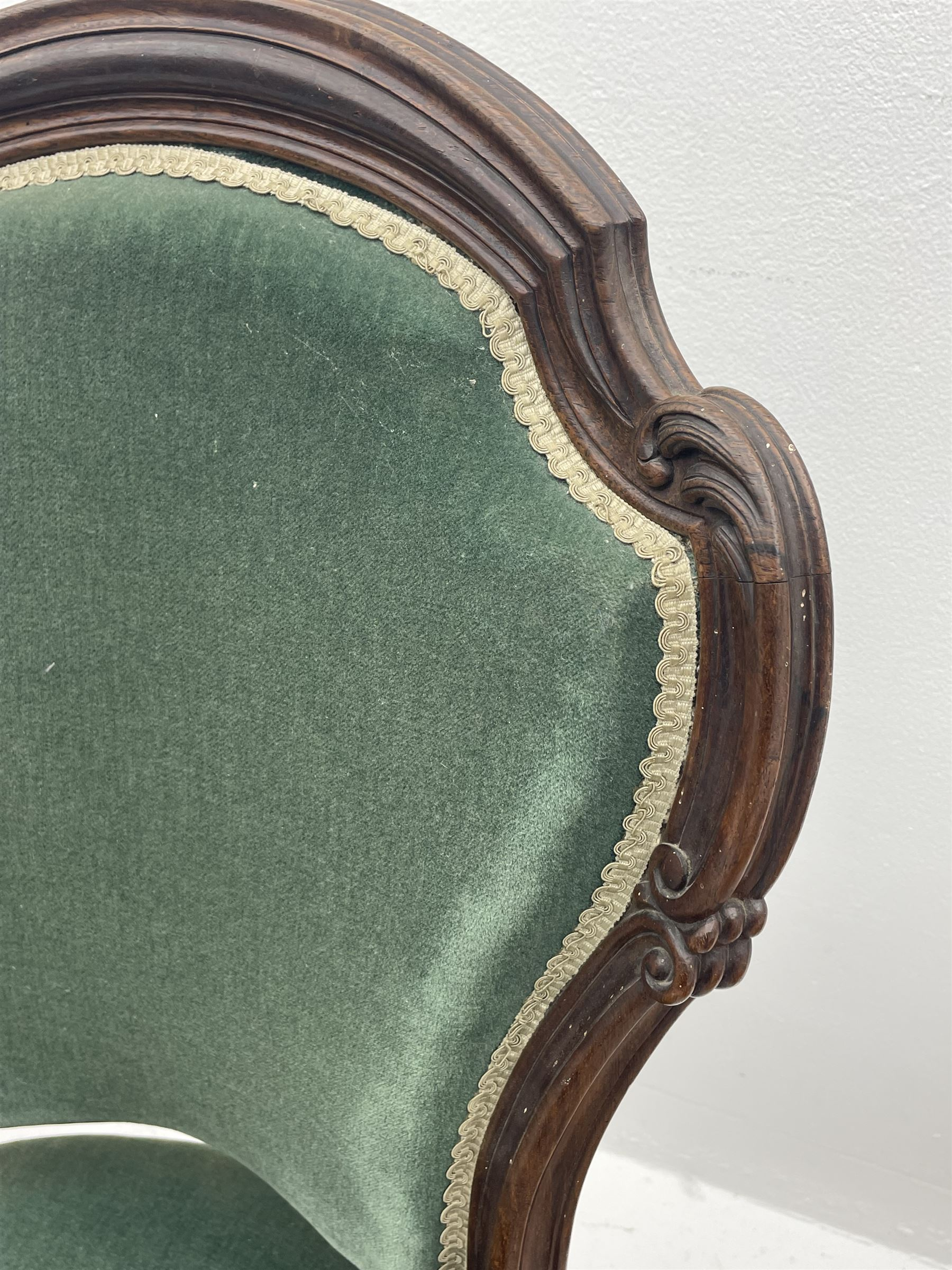 Set three Victorian rosewood drawing room side chairs - Image 2 of 5